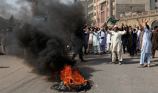 Asia Bibi's Acquittal: Roads Blocked, Educational Institutes Closed, as Protests Continue