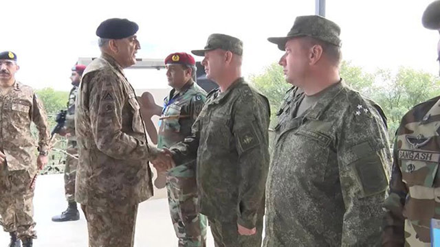 COAS Reviews Pak-Russia Joint Military Exercise