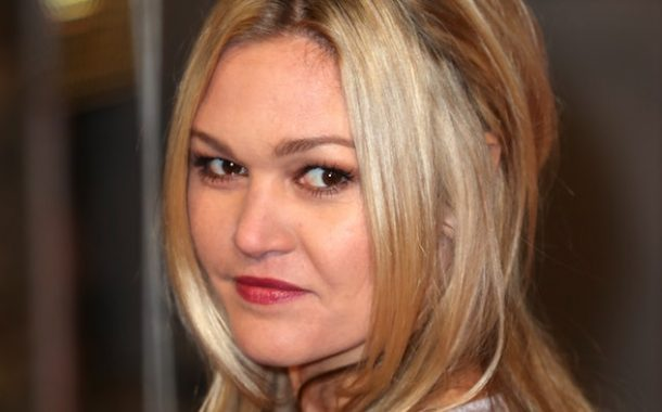 Julia Stiles Gives Birth