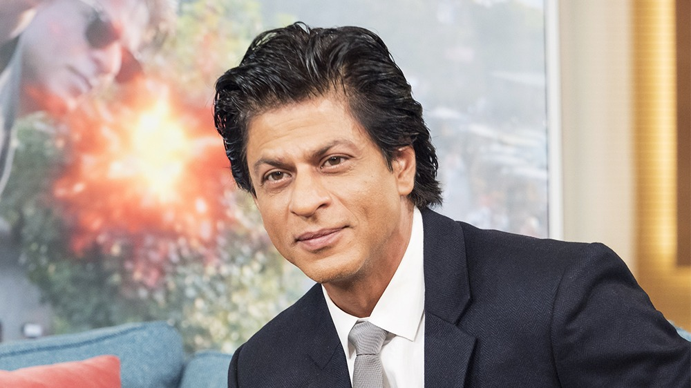 A Fan Injures himself at SRK Residence