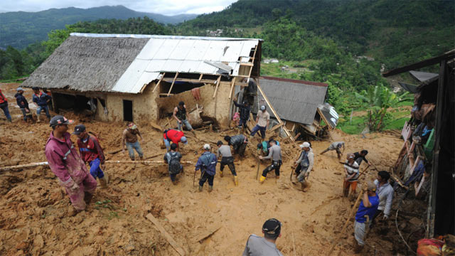 Indonesia: Land Sliding Kills 9 People, Several Missing