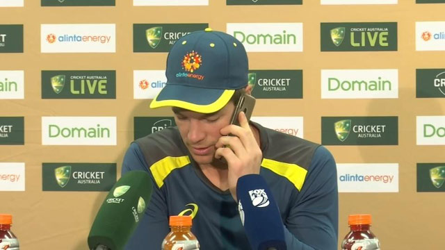 Tim Paine Attends Journalist's Phone During Press Conference