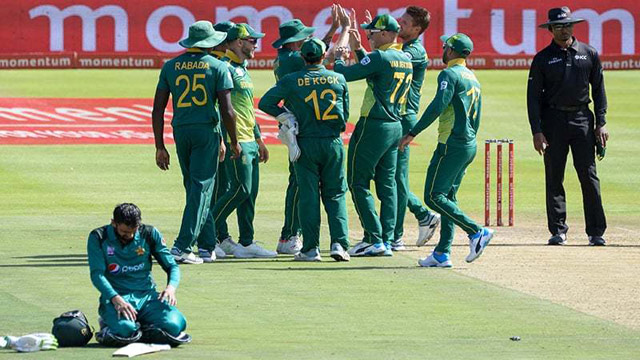 Kock Launched Assault on Pakistan's Bowlers in Final ODI