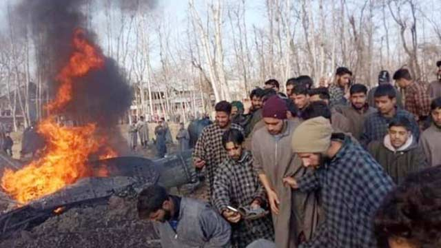 Pakistan Air Force Destroys Two Indian Aircrafts, Indian Pilot Arrested