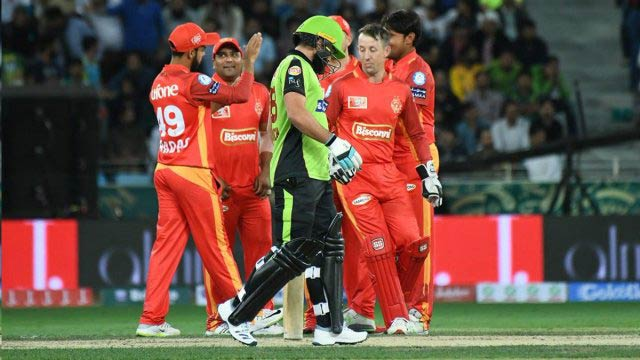PSL: Islamabad United Wins Opening Match Against Lahore Qalandars