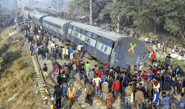 India: 6 People Killed When Train Derail In Bihar