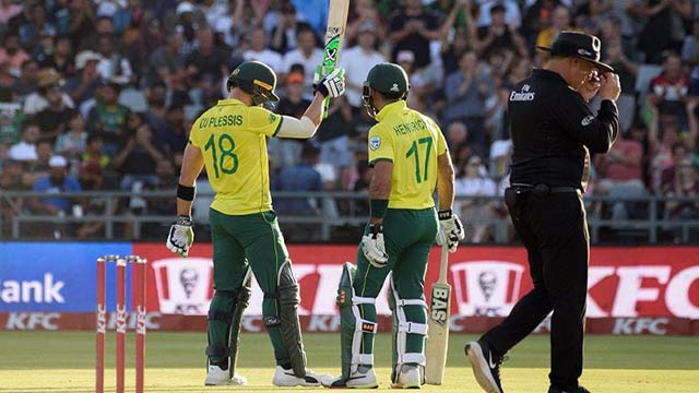 South Africa Shines on Field, Beat Pakistan in First T20I