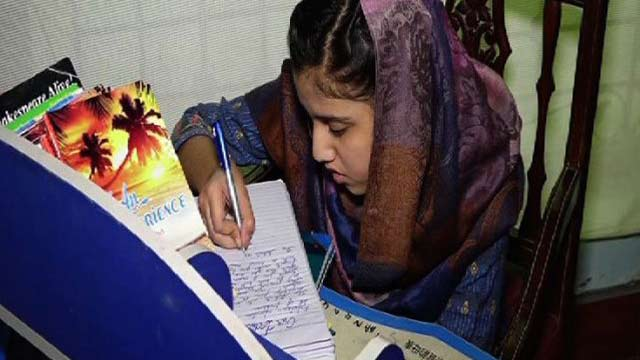 8th Grader Pakistani Student Wrote a Novel on Women's Rights