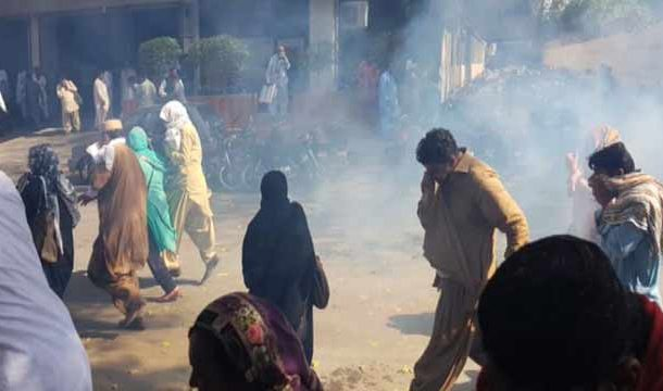 Karachi Police Beat-Up Protesting Teachers
