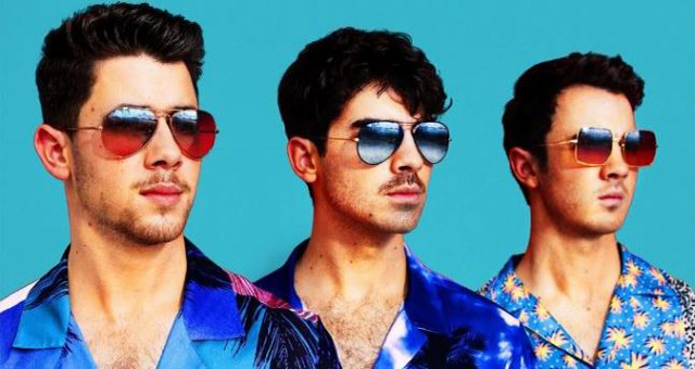 The Jonas Brothers Looked Absolutely Adorable In Their Group Shots Together