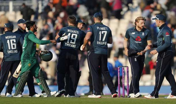 England Smashes Pakistan In 3rd ODI