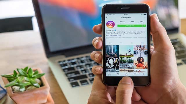 Instagram All Set to Introduce a New Fun 'Sticker' Feature