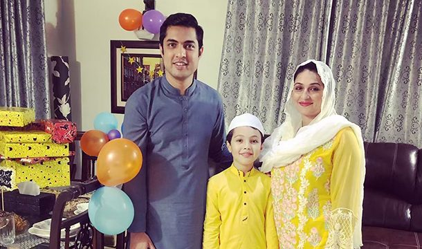 Famous Pakistani Journalist, Iqrar-ul-Hassan Celebrates His Son's First Roza