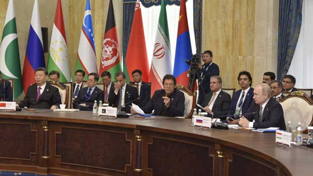 PM Imran Held Several Informal Discussions at SCO Meeting