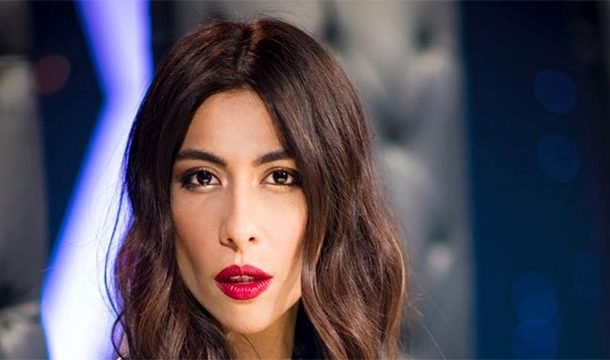 """Meesha Shafi replied Smartly to the one Schooling her for dressing more """"Islamically"""""""
