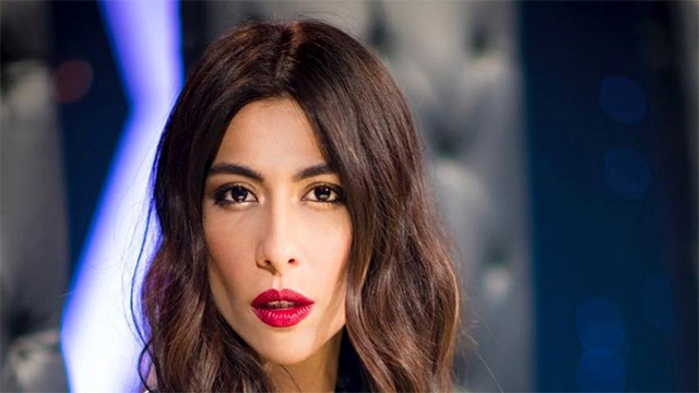 "Meesha Shafi replied Smartly to the one Schooling her for dressing more ""Islamically"""