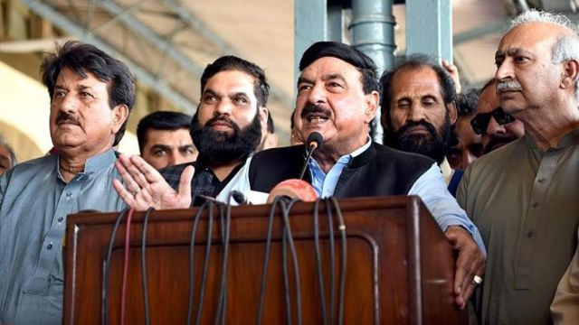Railways Minister Sheikh Rashid Announces Retirement