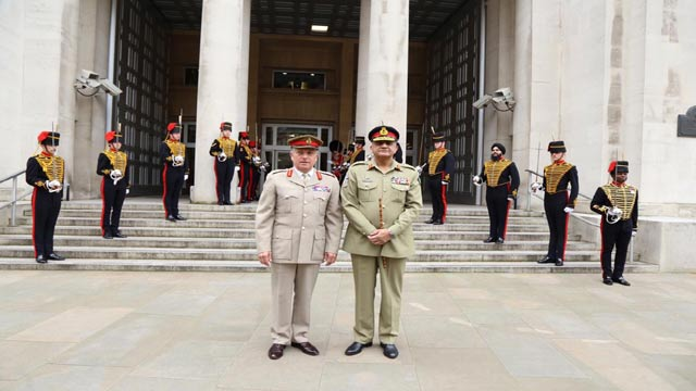Pakistan, UK Top Military Officials Discuss Bilateral Co-operation