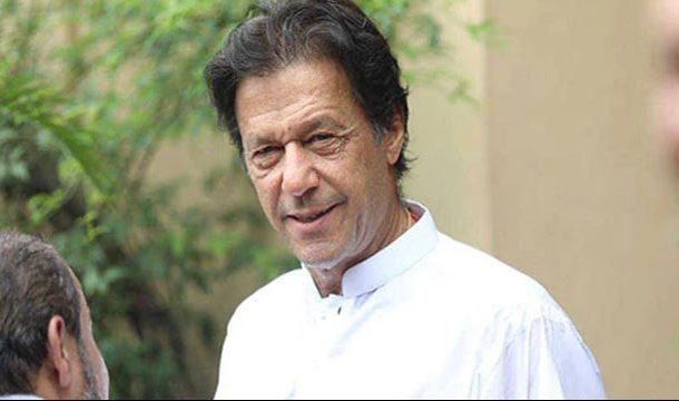 Imran Khan Along with Economic Team, Arrives in Karachi