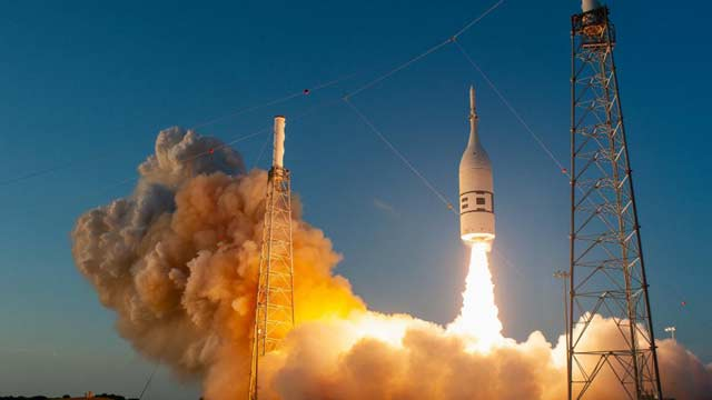 NASA Moves Closer to Moon After Successful Orion Capsule Test