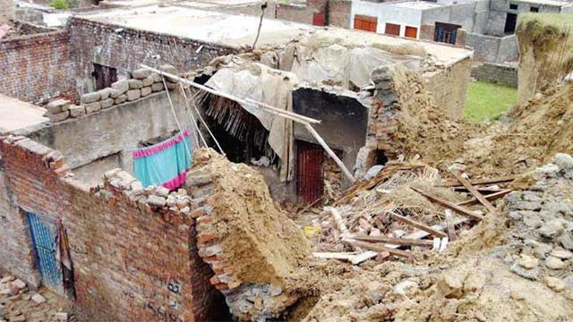 Wall Collapse In Sillanwali, Two died and One wounded