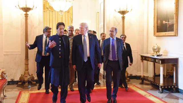 Trump Welcomes PM Imran, Offers to Mediate Kashmir Dispute