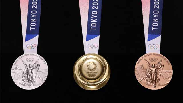Tokyo Unveils 2020 Olympic Medals Made From Old Phones