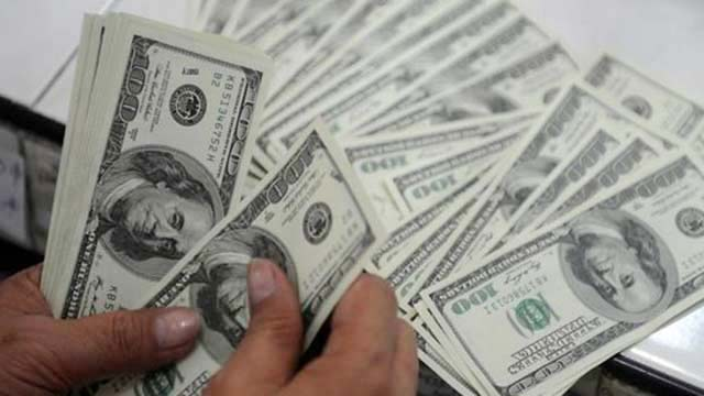US Dollar Soars to Rs 159.20 in Open Market