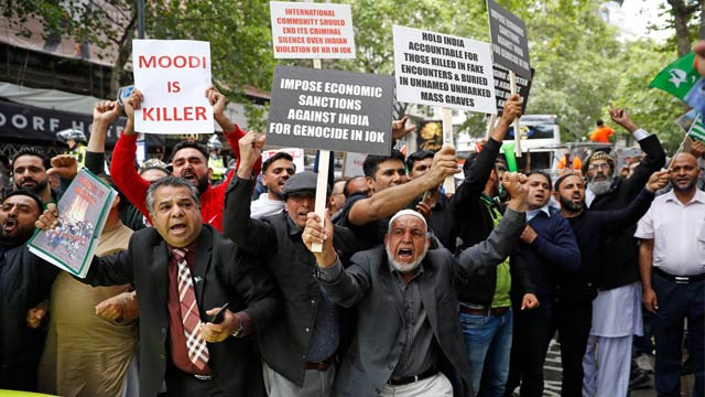 Thousands Protest in London Against India's Kashmir Move