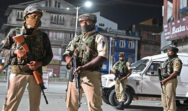 Curfew Continues as India Tightens Grip on Occupied Kashmir