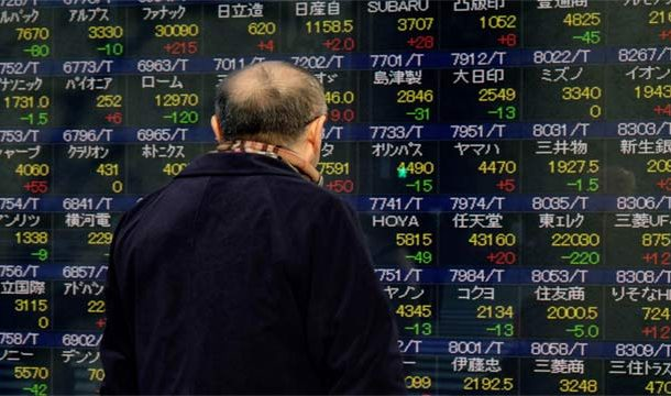 Global Stocks Collapse Amid Escalating US-China Trade War