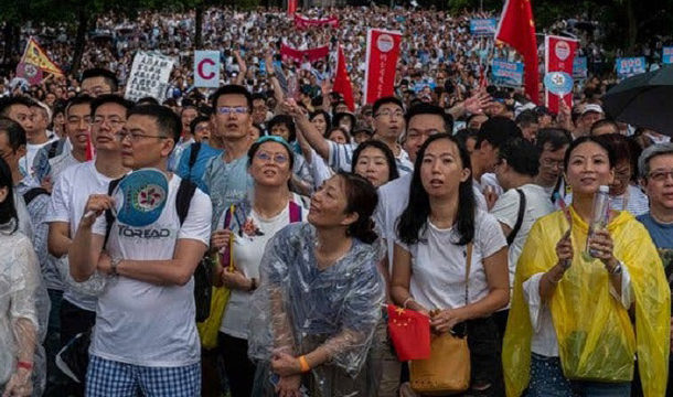 Protesters Join 'MeToo' Rally Against Police in Hong Kong