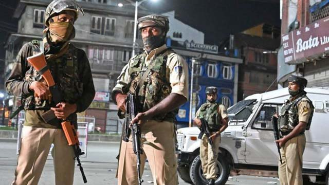 Occupied Kashmir Wakes Up to 22nd Day of Curfew