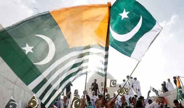 Kashmiris Rubbished Restrictions and Celebrate Pakistan's Independence Day in IIOJK