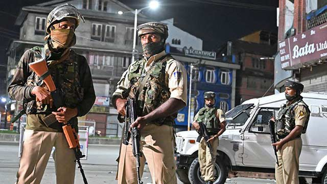 Security on High Alert As India Deploys 8,000 More Troops in Kashmir