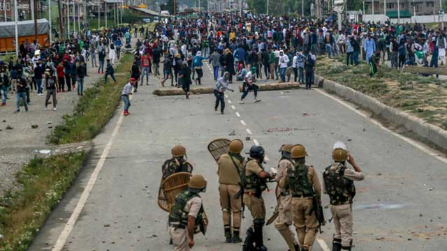 500 Incidents Of Protests Break Out, 100 Injured in IOK Since August 5