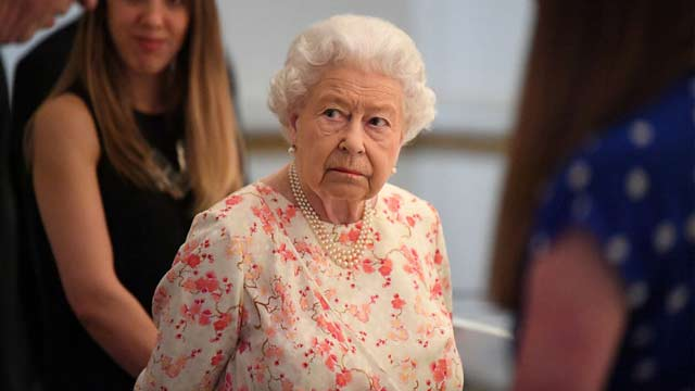 Britain's Queen Elizabeth Could be Asked to Suspend Parliament