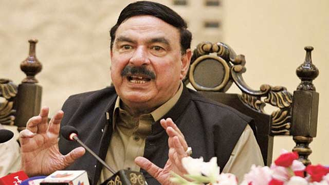 Sheikh Rashid Gets Electric Shock During Kashmir Hour Speech
