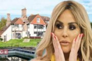 Leading American Singer Katie Price's Both of Heels are  Broken