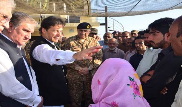 Pakistan's ToP Leadership Visit LOC, Meet Troops, Families of Martyrs
