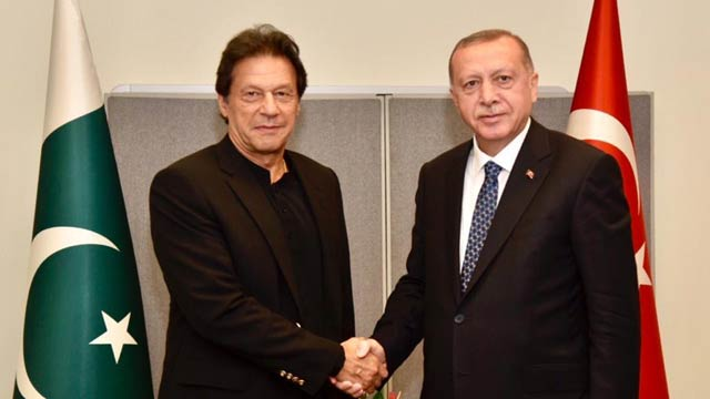PM Imran, Turkish President Discuss Kashmir Issue