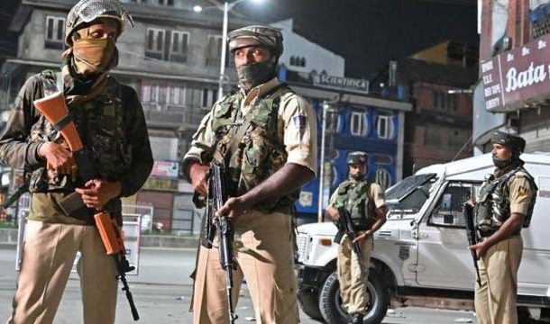 Kashmiris' Struggle Continues as Curfew Enters 40th Day