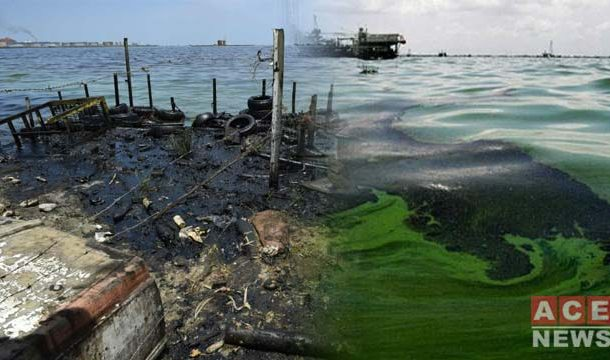 Maracaibo Lake Polluted by a Permanent Black Tide