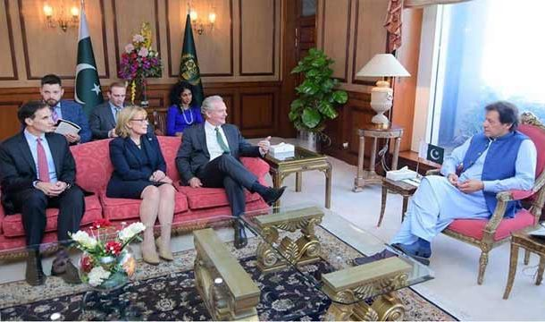 US Senators Discuss Kashmir Situation With Pakistan's Top Leadership