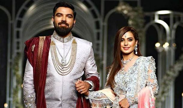 Iqra Aziz To Make Her Film Debut With Yasir Hussain?