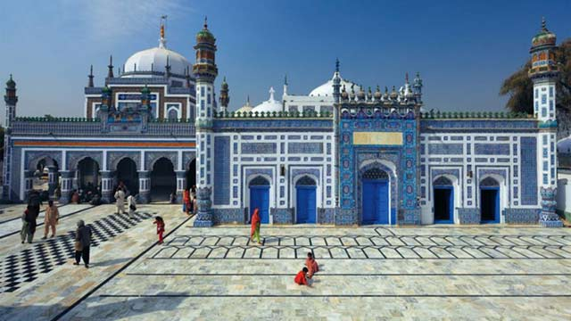 Shah Abdul Latif Bhittai's 276th Urs Begins in Bhit Shah