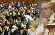 Pope Francis Invited About 1,500 Poor People for Lunch in Vatican