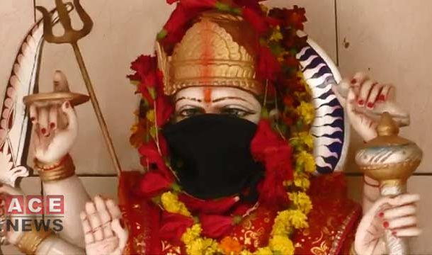 Idols in Indian Temples Wear Anti-Pollution Masks