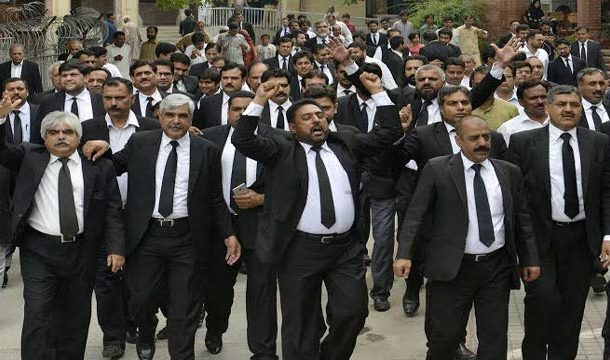 Pakistan Bar Council on Strike Against Govt's 'Unconstitutional Moves'