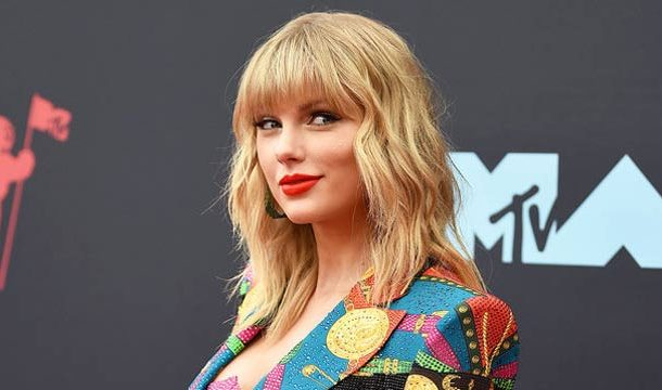 Taylor Swift Set To Receive Prestigious Artist Of Decade Award